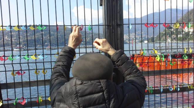 La seconda settimana con i lucchetti sul lungolago di Como