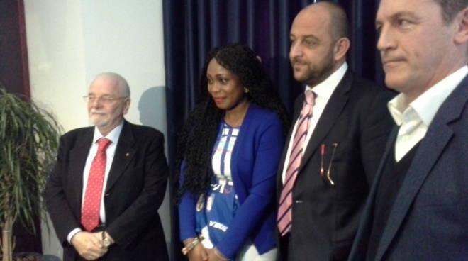 Puni Essien, prima giornata a Como: la presentazione