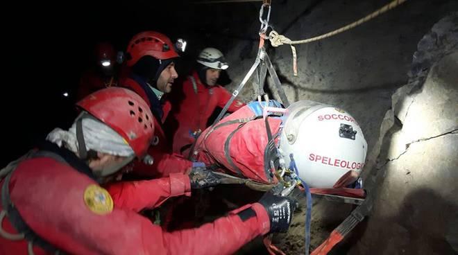 soccorso alpino grotta moltrasio