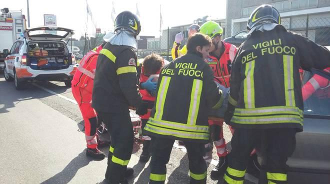 Tanti schianti oggi sulle strade del comasco: feriti a caos