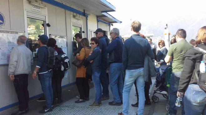 turisti oggi in centro como pienone turisti