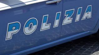auto polizia portiera generica