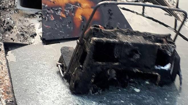 barca bruciata a sant'agostino como