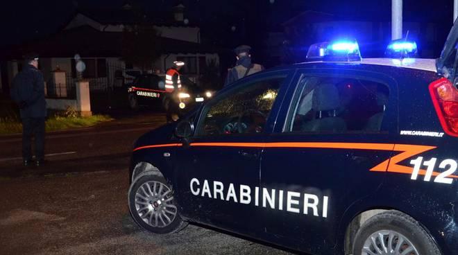 carabinieri notte posto di blocco
