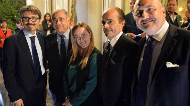 Giorgia Meloni a Como: anche un duetto con De Sfroos