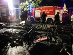 Incendio di notte, distrutta una bancarella della fiera di Pasqua a Como