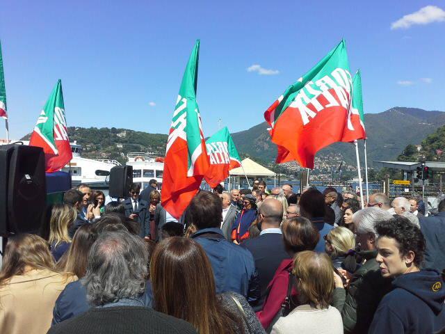 La presentazione della lista di Forza Italia in piazza a Como