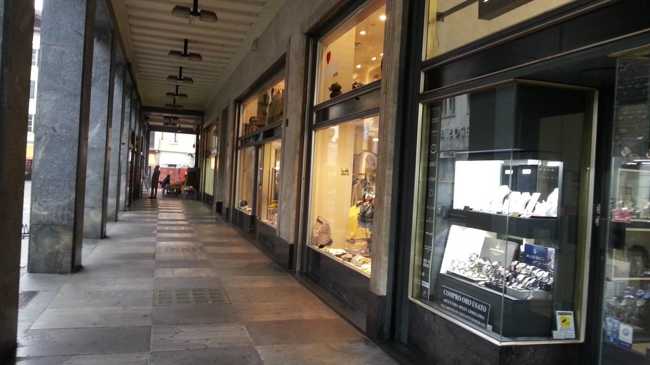como i negozi del centro sono tutti aperti tanti turisti