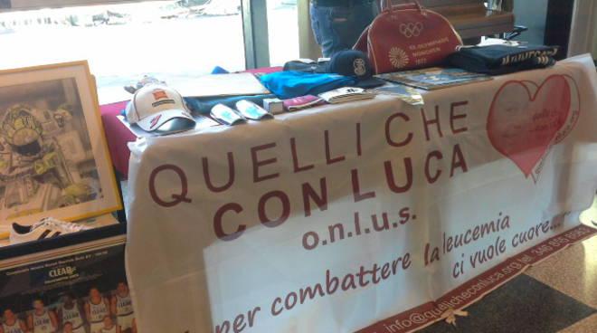 I cimeli in vendita all'asta pubblica alla Canottieri Lario