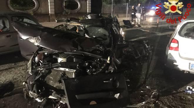 incidente notte albiolo, auto fuori strada
