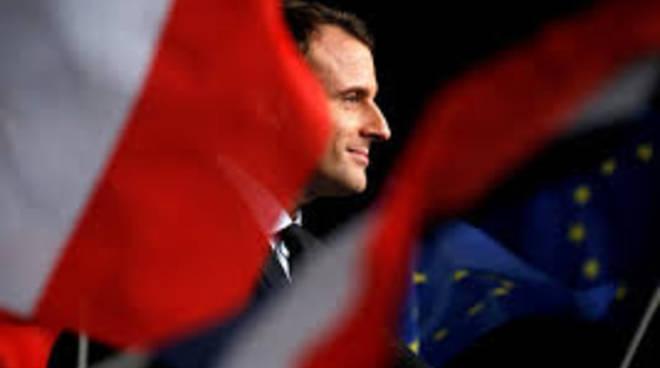 OCCHI SUL MONDO Macron