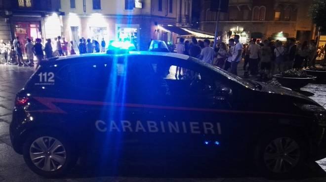carabinieri e controlli notturni in centro cantù