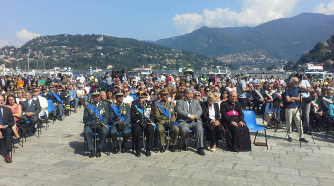 Festa del 2 giugno in centro Como: tanti presenti