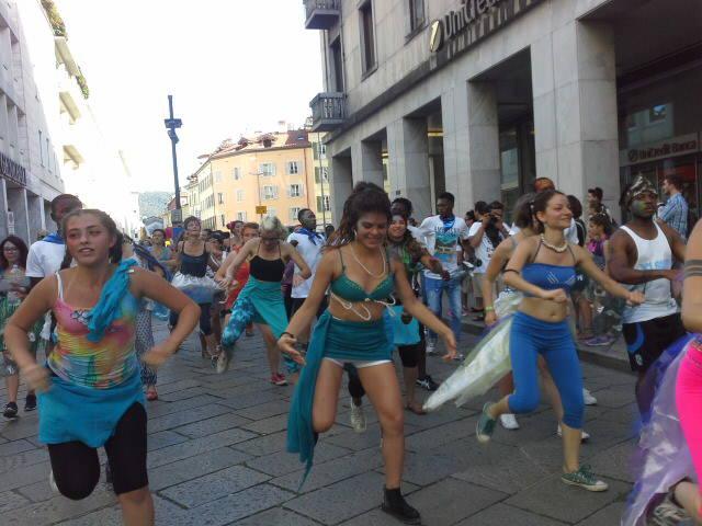 La Parada par Tucc 2017 invade le strade di Como: spettacolo