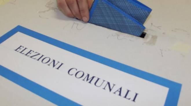 schede elettorali per votazioni comunali