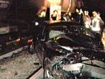 auto sui binari cucciago distrutta da treno