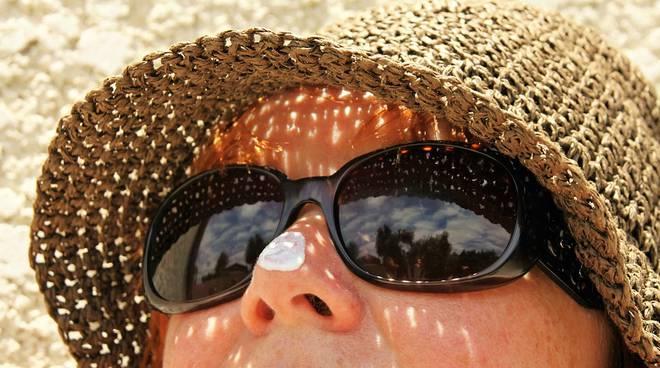 La Credenza Della Crema : Creme solari: miti e credenze da sfatare ciao como