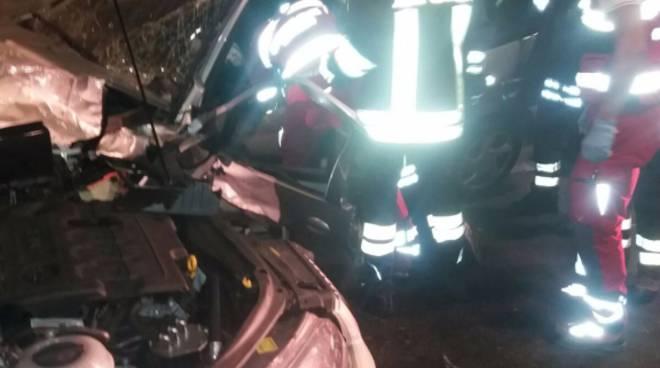 incidente galleria nobiallo menaggio scontro auto