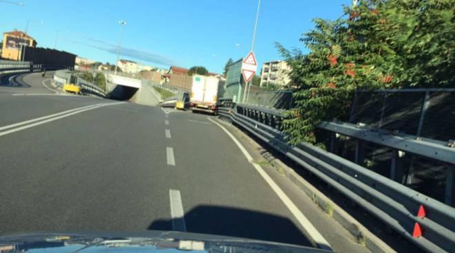 viadotto dei lavatoi camion in transito anche con divieto