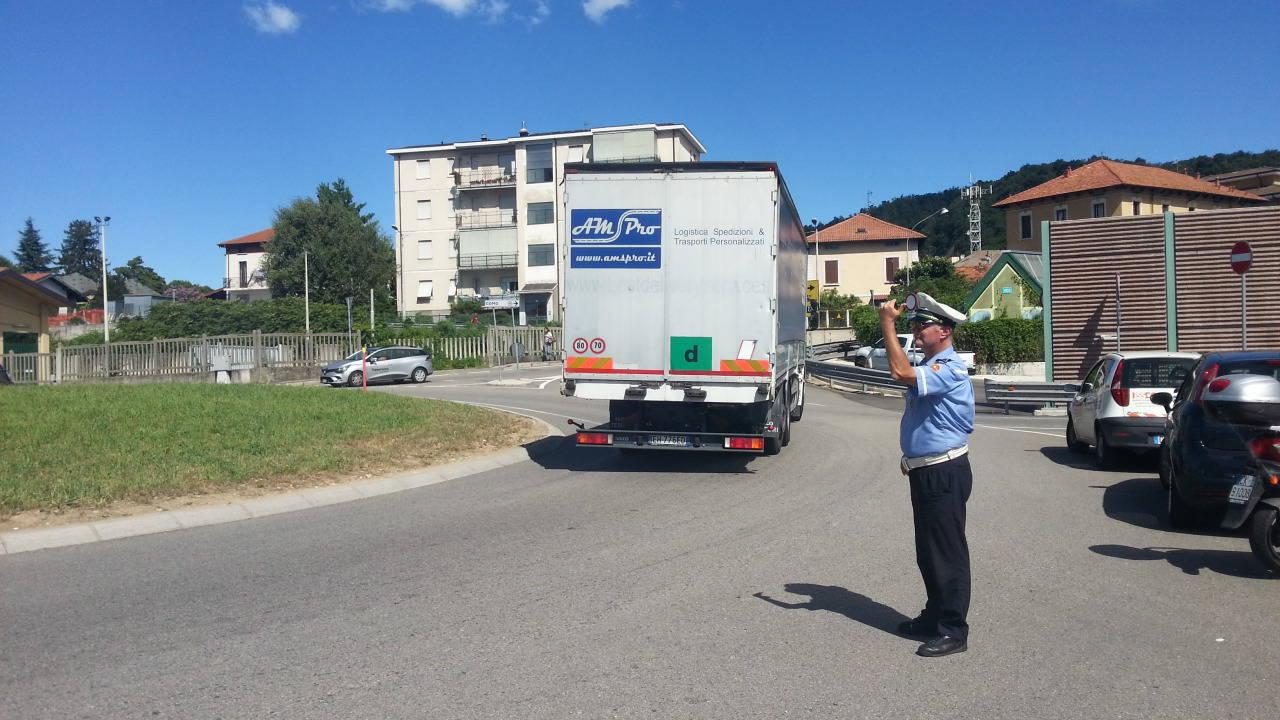Viadotto dei lavatoi, i vigili installano i new-jersey contro i camion