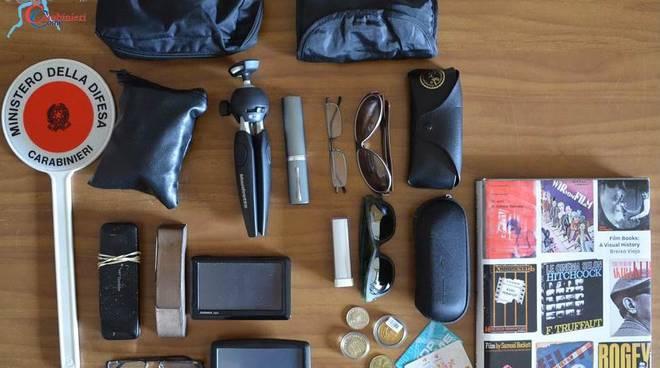 materiale recuperato da carabinieri menaggio ladri di auto