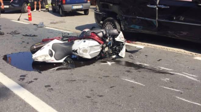 Schianto mortale auto - moto a Gera Lario: le immagini