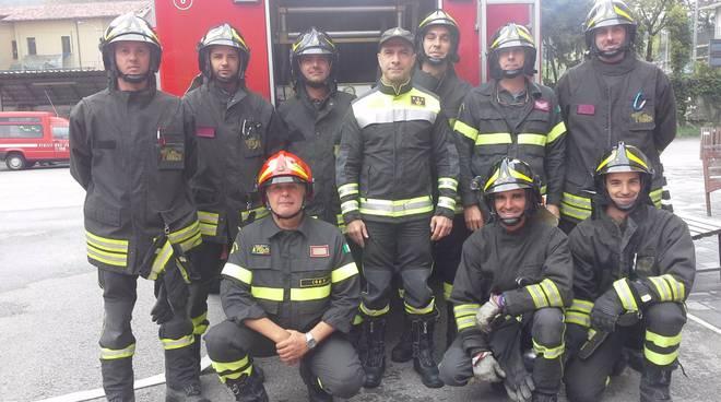 Il comandante dei pompieri saluta Como con i suoi ragazzi
