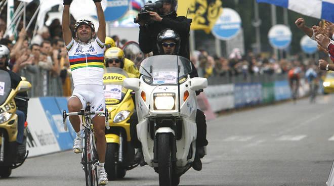 paolo bettini campione del mondo ciclismo e maglia tricolore