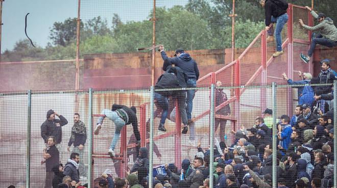 scontri varese tifosi calcio prima del derby