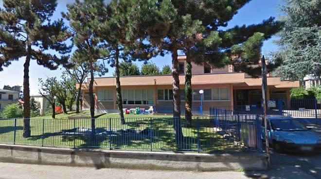 scuola infanzia di trecallo tetto danneggiato