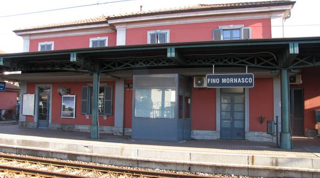 stazione fino mornasco nord esterno