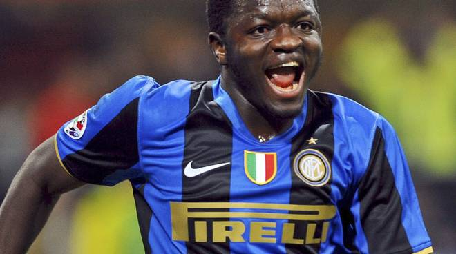 sulley muntari ex inter disavventura in dogana brogeda