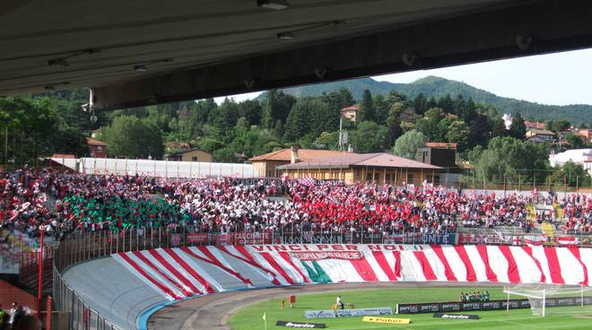tifosi di varese stadio ossola derby