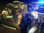 Auto ribaltata sulla Pedemontana a Lomazzo: finisce contro pullman