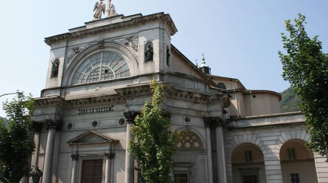 basilica crocifisso como esterno e facciata