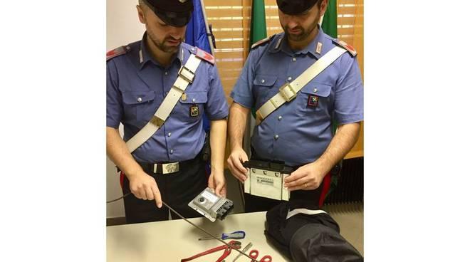 furto auto guanzate ed appiano, fermato responsabile dai carabinieri