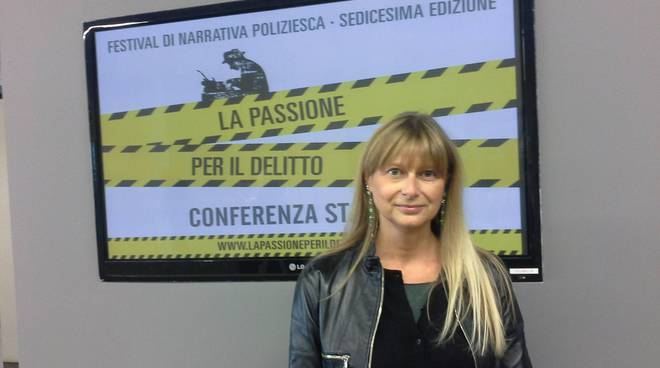 paola pioppi presenta passione per il delitto erba