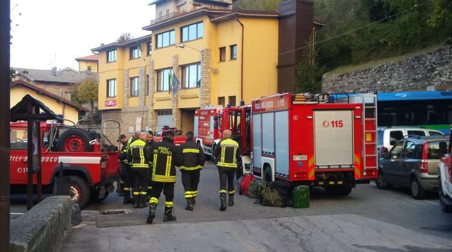 pompieri cambio turno per incendio veleso