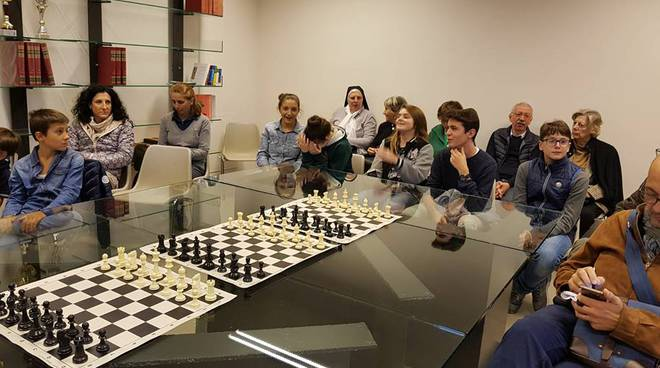 scuola scacchi erba