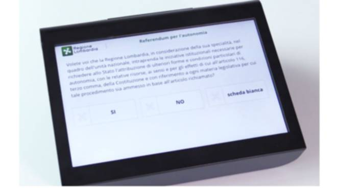 tablet per voto elettronico referendum autonomia regione