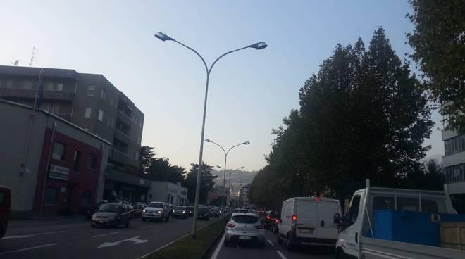 traffico como per lavori via recchi, caos tangenziale