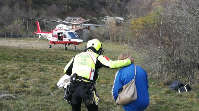 Veleso, grosso incendio: escursionisti salvati dai pompieri