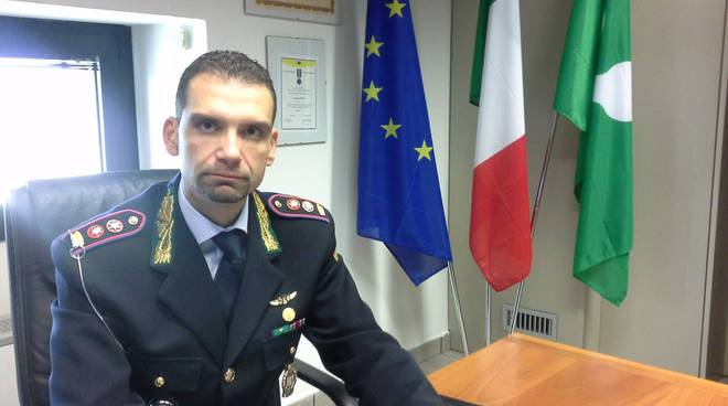 ordinanza anti accattoni sindaco cantù polizia locale