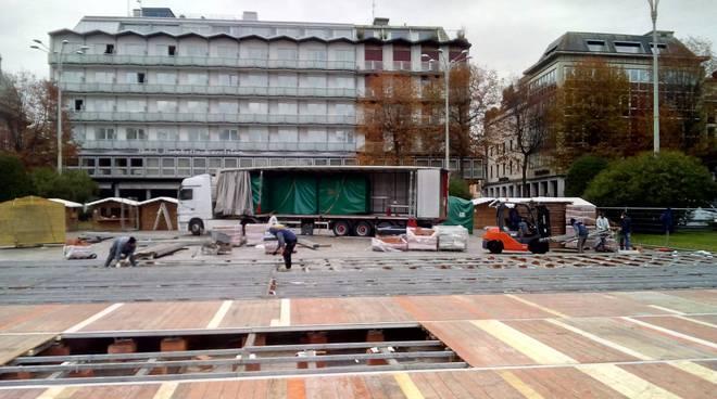 pista del ghiaccio allestimento piazza cavour per balocchi 2017