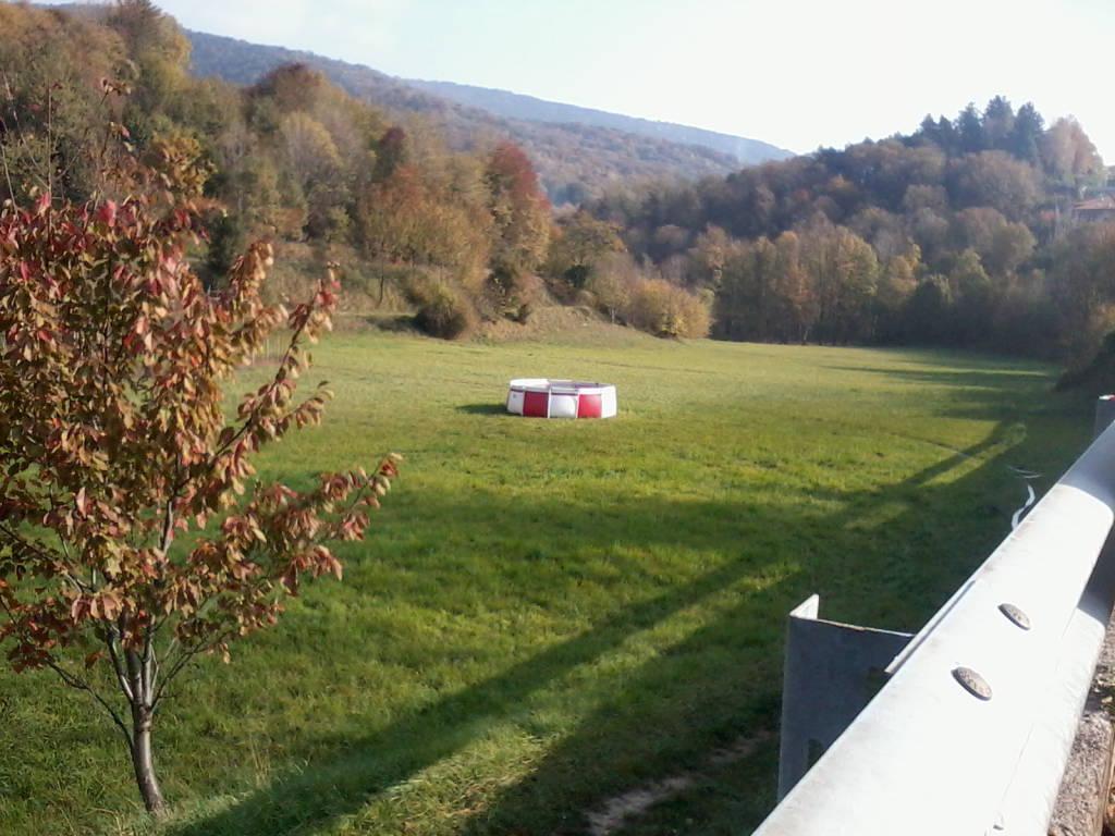 Tavernerio: ancora pronta la vasca per l'elicottero