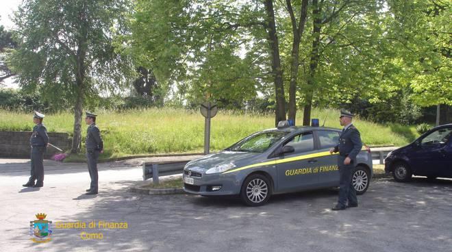 traffico di droga tra italia e svizzera, arresti della finanza
