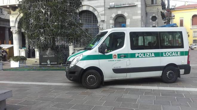 controlli polizia locale como piazza grimoldi anti-accattoni