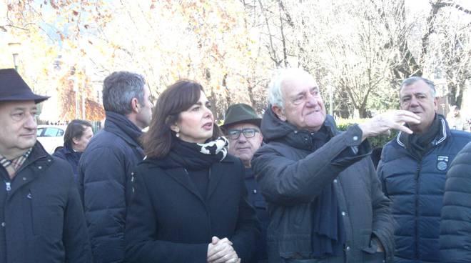 Laura boldrini oggi a como manifestazione contro intolleranza