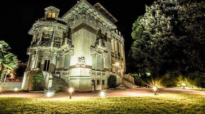 villa bernasconi luci