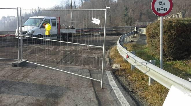 cantiere ponte di cantù asnago, strada chiusa operai